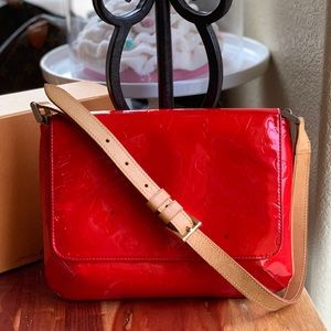 Authentic Louis Vuitton Thompson ST. Red Vernis